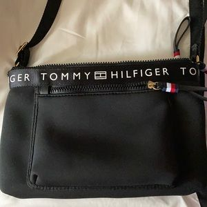 I'm selling a purse 👜